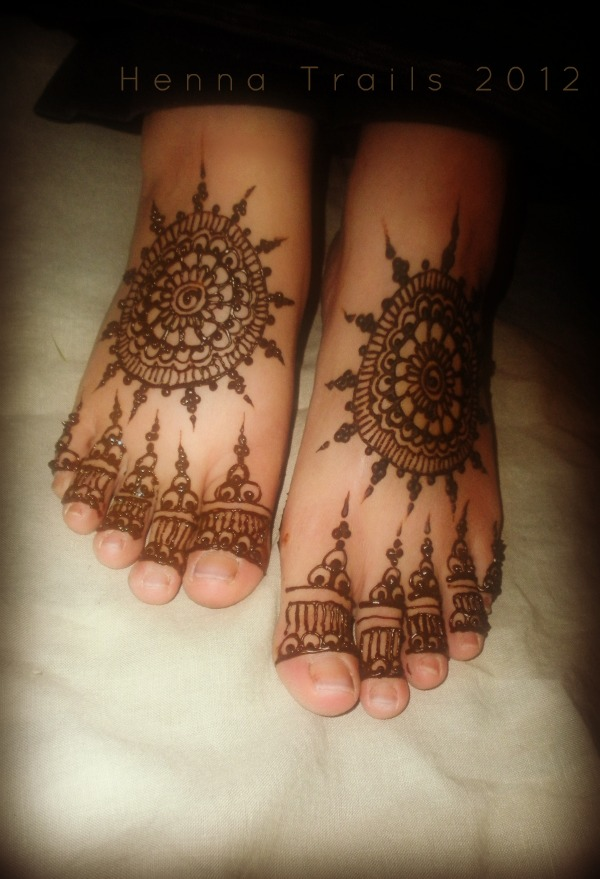 my feet needed a match to my current palm henna