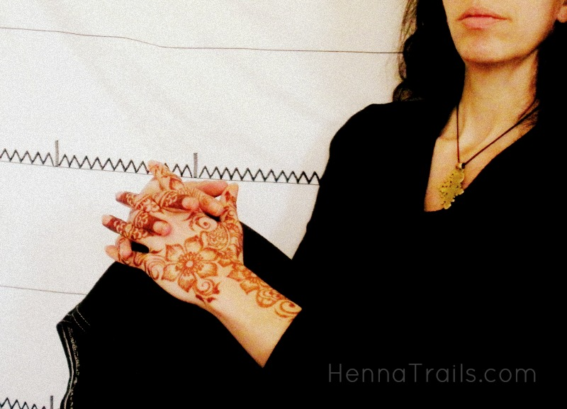 purely natural henna hands