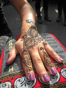 Henna at the Thursday Night Market summer 2013