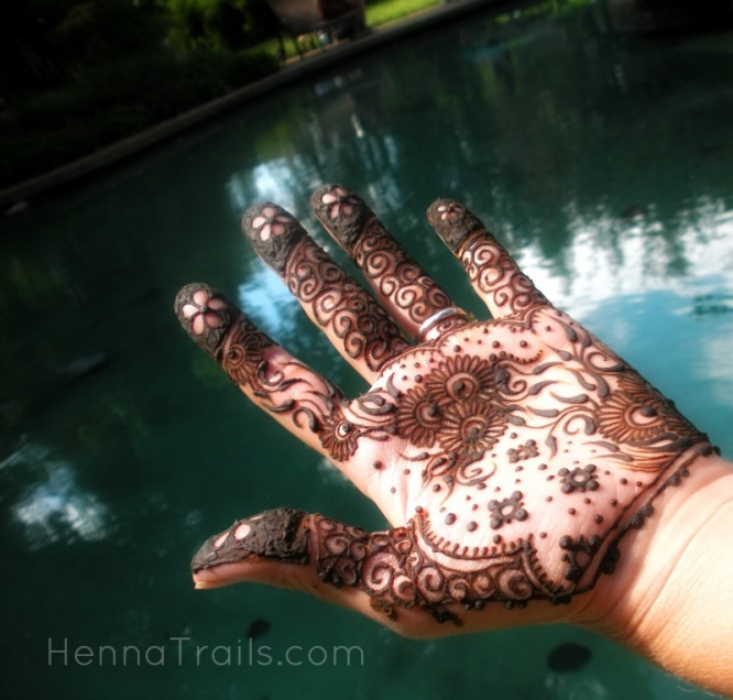 Sisters together for henna, naturalistas for life.