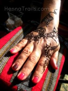 Henna at the Thursday Night Market summer 2013