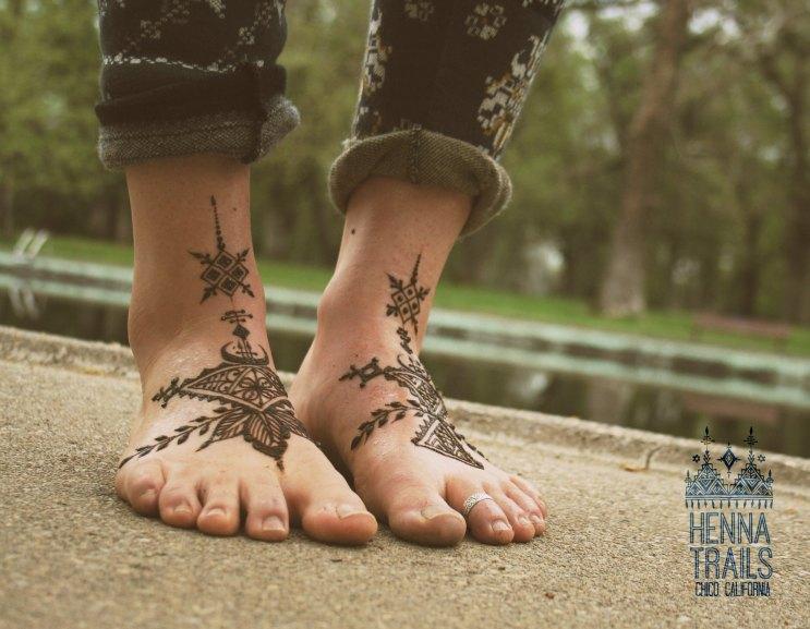 Folky geometric Morocco inspired henna